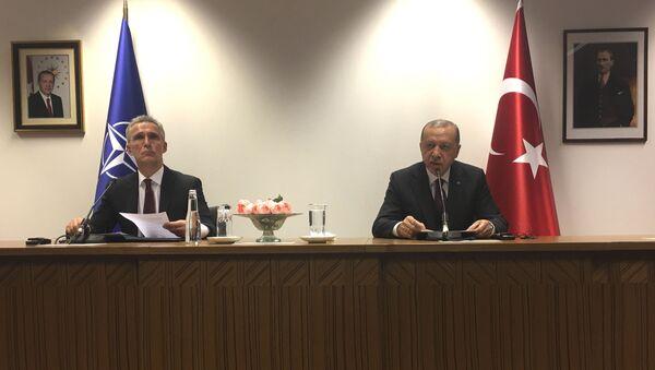 Turkish President Recep Tayyip Erdogan and NATO Secretary General Jens Stoltenberg in Brussels - Sputnik International