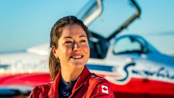 Royal Canadian Air Force Captain Jennifer Casey, who was killed in the crash of a jet from the Snowbirds aerobatics team in Kamloops, British Columbia, Canada May 17, 2020, poses in an undated photograph. - Sputnik International