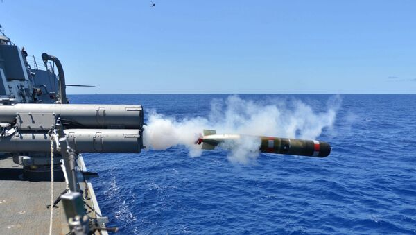 A MK 54 exercise torpedo launches from the Arleigh Burke-class guided-missile destroyer USS Lassen (DDG 82) - Sputnik International