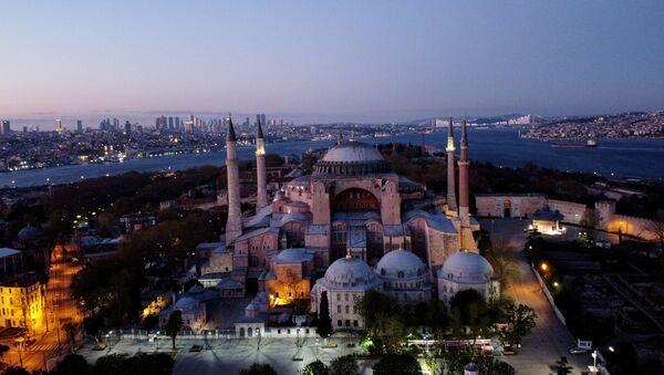An aerial view of the Byzantine-era monument of Hagia Sophia in Istanbul, Turkey, April 24, 2020. - Sputnik International