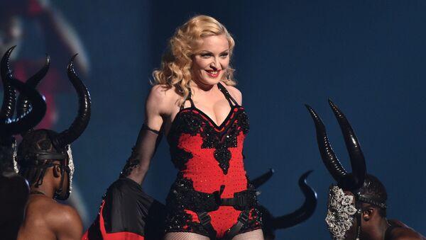 Певица Мадонна выступает на 57-й ежегодной премии Грэмми в Лос-Анджелесе, США, 2015 год - Sputnik International
