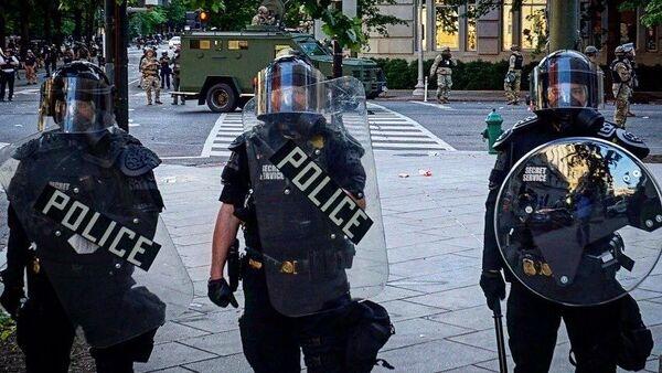 US Riot Police in Washington During Floyd Protests - Sputnik International