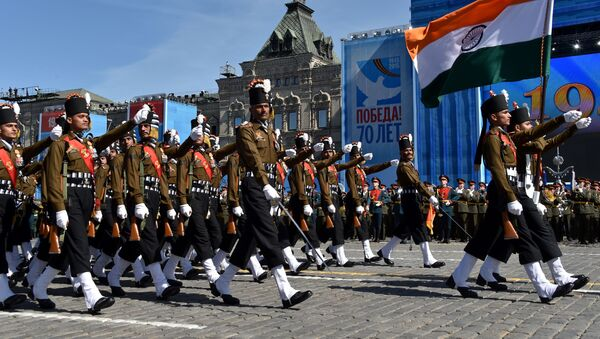Indian soldiers march as they take part in a rehearsal for the Victory Day military parade on Moscow's Red Square on May 7, 2015 - Sputnik International