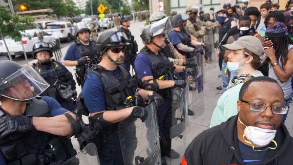 Protests against police brutality in Washington DC on 3 June 2020 - Sputnik International