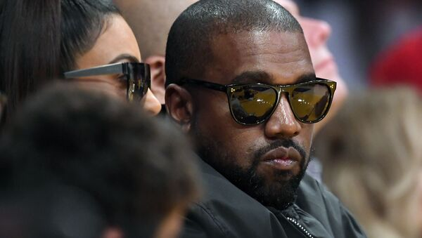 Kim Kardashian, left, and rapper Kanye West watch during the second half of an NBA basketball game between the Los Angeles Lakers and the Cleveland Cavaliers, Monday, Jan. 13, 2020, in Los Angeles - Sputnik International