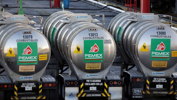 Tanker trucks of Mexico state oil firm Pemex's are seen at Cadereyta refinery in Cadereyta, on the outskirts of Monterrey, Mexico January 23, 2019.  - Sputnik International