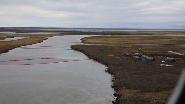 Oil spill in Norilsk - Sputnik International