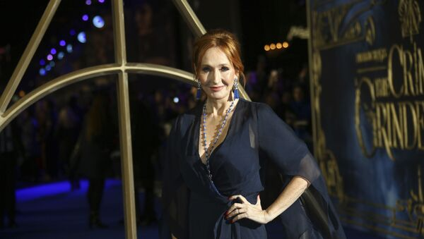 Author J.K. Rowling poses for photographers upon arrival at the premiere of the film 'Fantastic Beasts: The Crimes of Grindelwald', at a central London cinema, Tuesday, Nov. 13, 2018 - Sputnik International