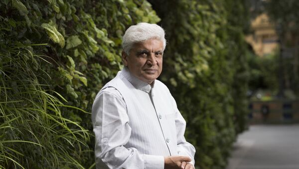 Indian Poet and screenwriter, Javed Akhtar, poses for portraits at the Taj hotel in central London, Wednesday, July 12, 2017 - Sputnik International