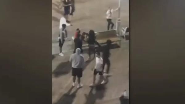 Video: Massive Fist Fight Breaks Out on Boardwalk at US East Coast Beach Town  - Sputnik International