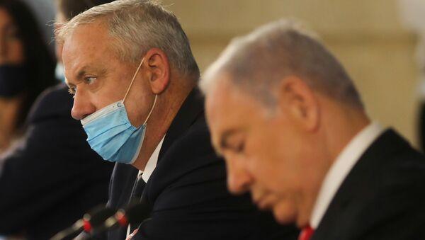 Israeli Prime Minister Benjamin Netanyahu and Alternate Prime Minister and Defence Minister Benny Gantz attend the weekly cabinet meeting in Jerusalem June 7, 2020.  - Sputnik International