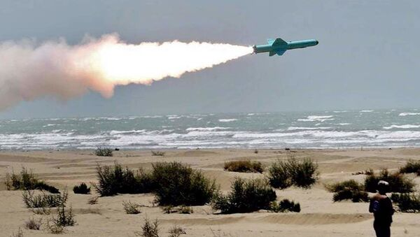 Iranian Navy forces successfully test-fired new cruise missiles in military drills in the Sea of Oman and northern Indian Ocean, on June 18, 2020. - Sputnik International