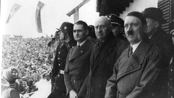 Rudolph Hess, Henri de Bayeux Latour and Adolf Hitler - Sputnik International