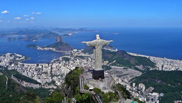Christ the Redeemer overlooking Rio De Janeiro - Sputnik International