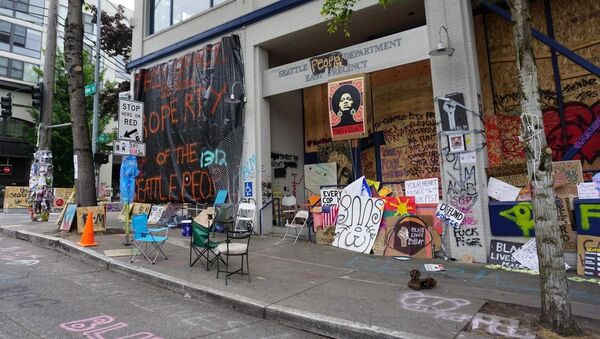 Seattle Police Department East Precinct amid protests against police brutality in June 2020 - Sputnik International