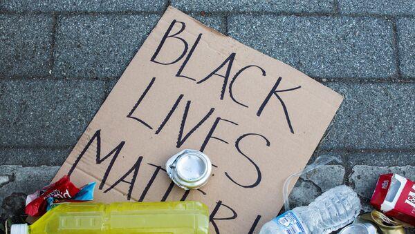 Black Lives Matter's banner - Sputnik International
