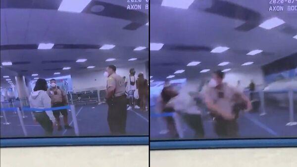 #BREAKING:  @MiamiDadePD  cop hits woman at Miami International Airport  @iflymia  #BecauseMiami - Sputnik International