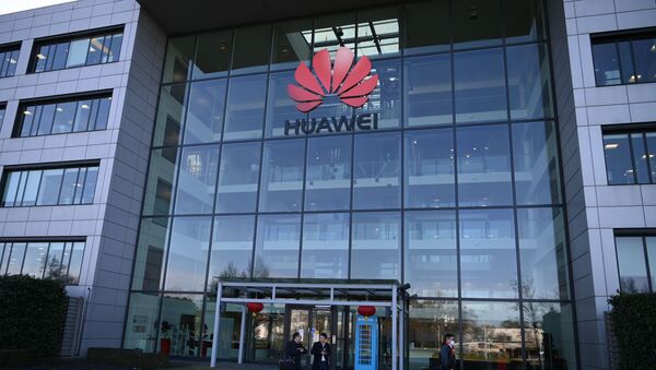 A photograph shows the logo of Chinese company Huawei at their main UK offices in Reading, west of London, on January 28, 2020. - Prime Minister Boris Johnson is expected to announce a strategic decision on January 28, on the participation of the controversial Chinese company Huawei in the UK's 5G network, at the risk of angering his US allies a few days before Brexit. - Sputnik International