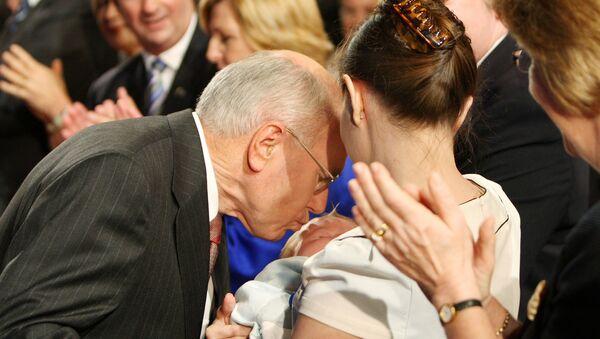 Most Memorable Kisses of Top Political Figures - Sputnik International