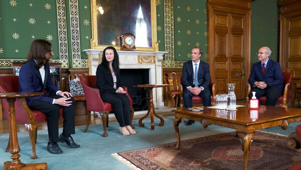 Britain's Foreign Secretary Dominic Raab meets with Magnitsky family - Natalia Magnitsky and Nikita Magnitsky, widow and son of Sergei Magnitsky, and Bill Browder in the Foreign and Commonwealth Office, following the Foreign Secretary's Statement on Global Human Rights Sanctions Regime given in the House of Commons, London, Britain, July 6, 2020 - Sputnik International