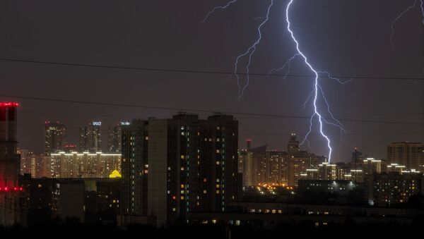 A summer thunderstorm is seen in sky over Moscow, Russia - Sputnik International