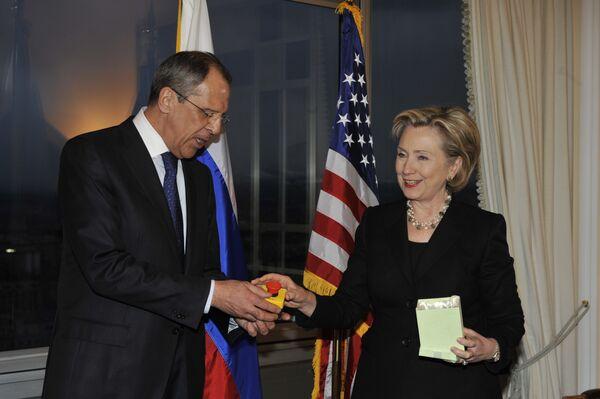 Встреча глав внешнеполитических ведомств России и США Сергея Лаврова и Хиллари Клинтон в Женеве - Sputnik International