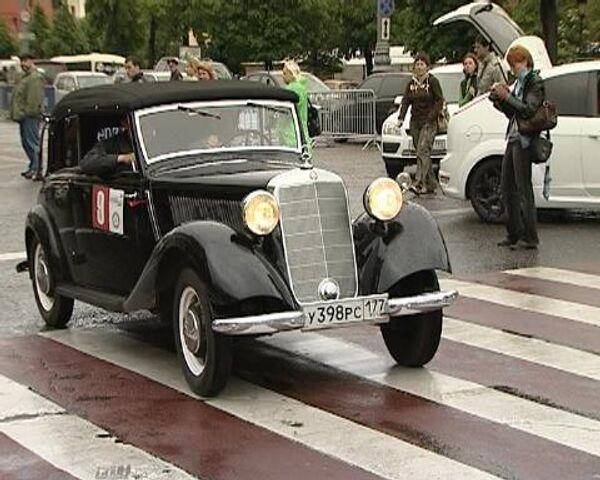 Moscow hosts vintage car race - Sputnik International