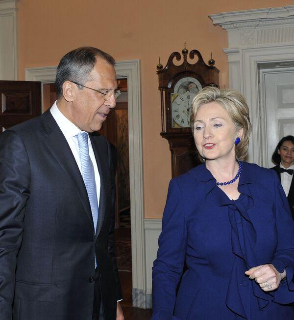 Russian Foreign Minister Sergei Lavrov and U.S. Secretary of State Hillary Clinton - Sputnik International