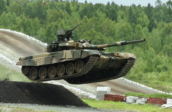 Russia ready to supply tanks to Venezuela - Medvedev - Sputnik International
