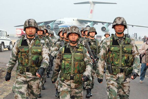 Китайские военнослужащие прибыли в Индию на сровместные учения - Sputnik International
