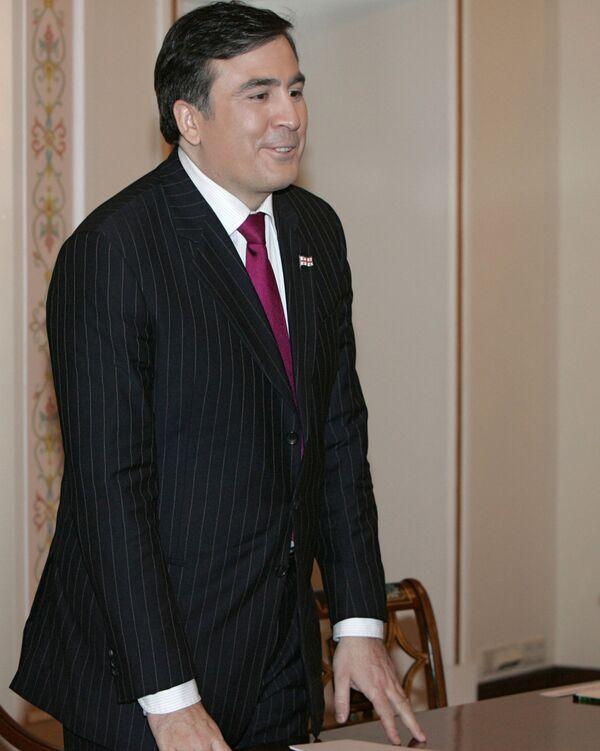 Georgia wants good ties with Russia, will not beg - Saakashvili - Sputnik International