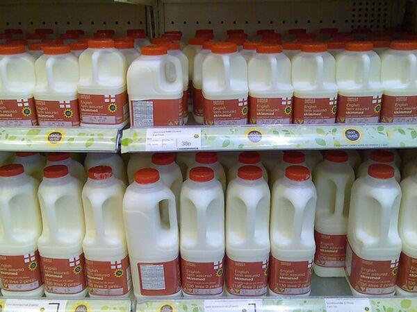 Russia lifts ban on Belarus dairy imports  - Sputnik International
