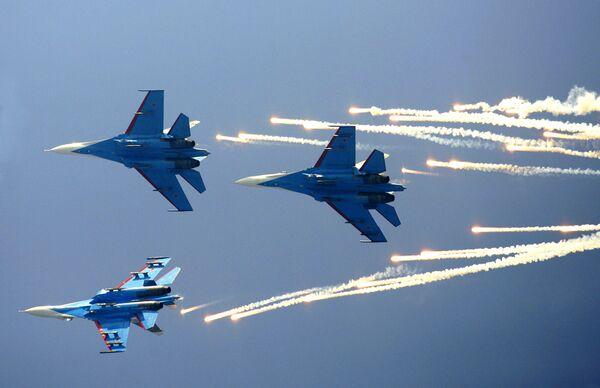 Obama bars U.S. aircraft from Moscow air show over crisis  - Sputnik International