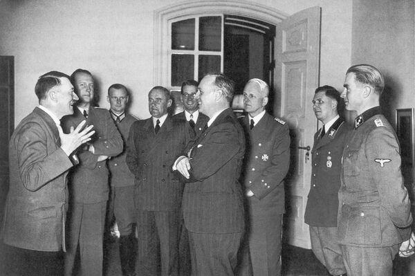 Фюрер Адольф Гитлер и глава МИД Германии Иоахим фон Риббентроп - Sputnik International