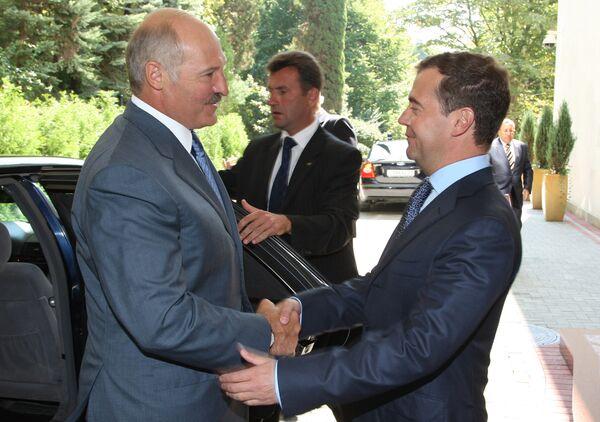 Russian, Belarusian Presidents hold informal meeting - Sputnik International