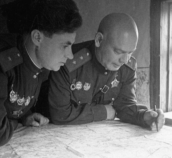 Generals Pukhov and Kozlov - Sputnik International