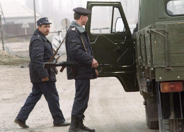 Russian policeman injured in Dagestan shootout dies in hospital - Sputnik International