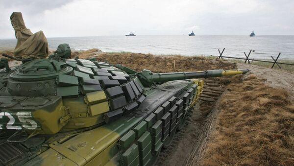 Practicing airborne and amphibious assault landing in Kalinigrad Region. - Sputnik International