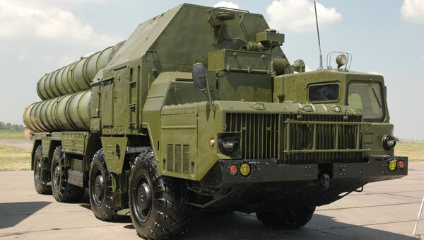 An S-300 surface-to-air missile system - Sputnik International