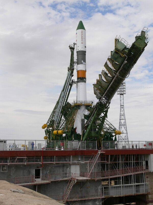 Soyuz spacecraft blasts off to space station - Sputnik International