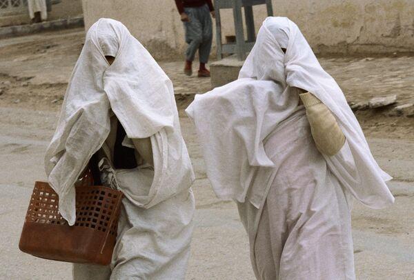 Egyptian university orders veil ban for female-only lectures - Sputnik International