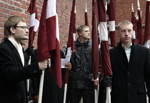 Waffen-SS march supporters - Sputnik International