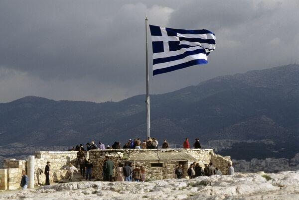 Greek parliament approves $6.55-billion austerity package - Sputnik International