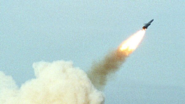 India successfully test fires nuclear-capable missile - Sputnik International