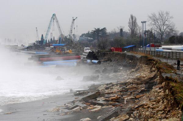Powerful winter storm hits Russia's Olympic city Sochi - Sputnik International