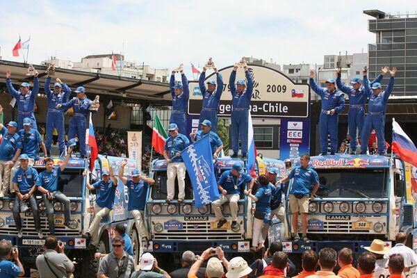 Russia's Kamaz team sweeps podium in Dakar Rally 6th stage - Sputnik International