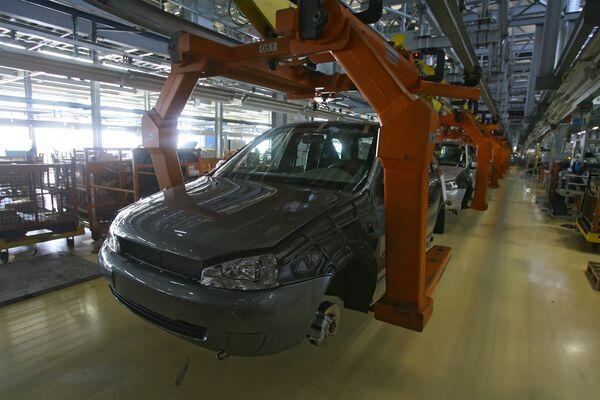 Car sales in Russia halved in 2009 to 4-year low  - Sputnik International