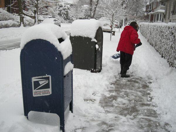 Heavy snowstorm batters New York - Sputnik International