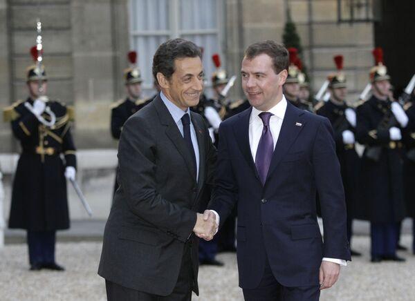 Nicolas Sarkozy and Dmitry Medvedev - Sputnik International