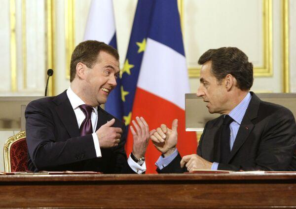 Medvedev in France: Mistral-class ships and mutual cultural craving - Sputnik International